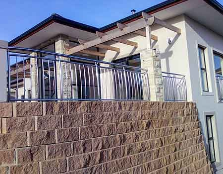 Child-Proof-Curved-Balustrades-2eo450